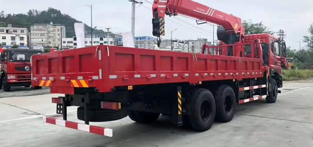 黄山市16吨随车吊厂家直销生产厂家研发厂家_收重型随车吊多少钱