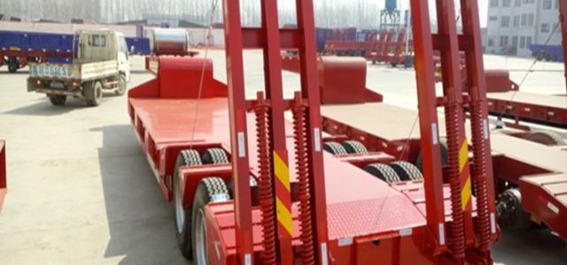 13米低平板半挂车应城市_t7h低平板车运输车