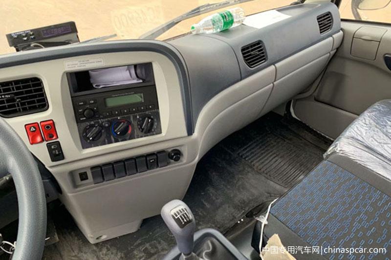东风天锦VR前四后四冷藏车 大型冷藏车 第5张