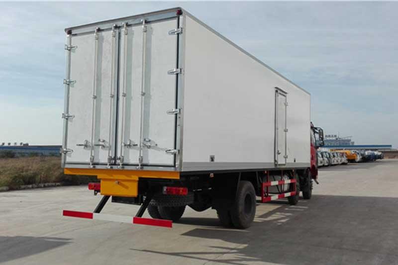 解放J6M_7.7米小三轴冷藏车 大型冷藏车 第4张